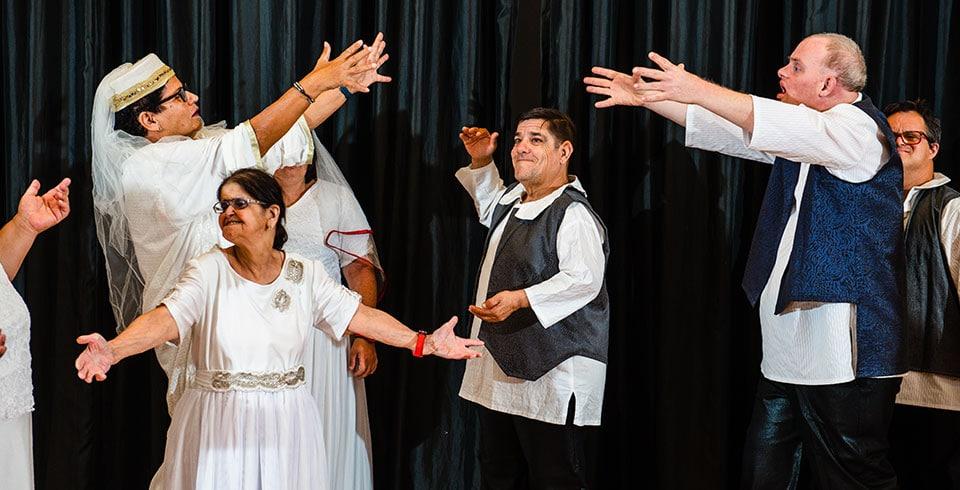 קבוצת התיאטרון של מערך הדיור התומך - אלווין ישראל